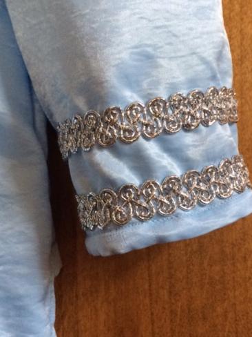 light-blue-tunic-2016-sleeve-trim-detail